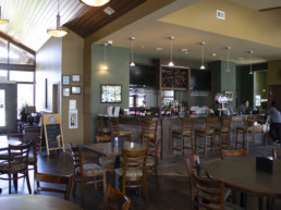 bar and dining room at The Grill at The Links at Spruce Grove